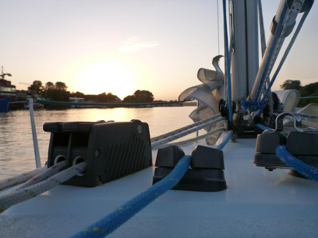 Sonnenuntergang bei der Rückfahrt in den Hafen